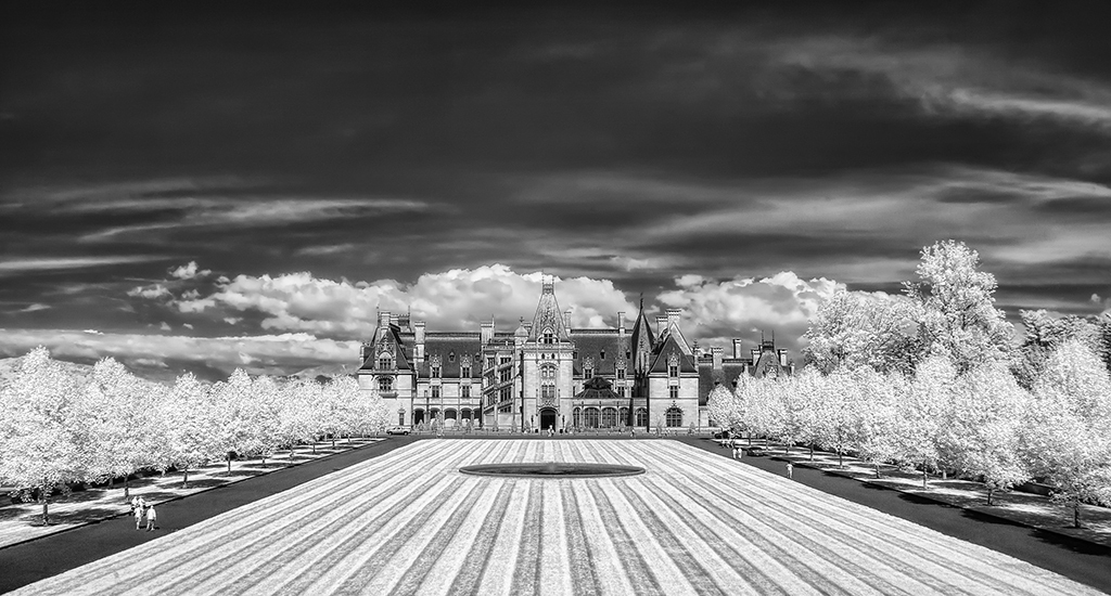 Biltmore Estate Archives Michael Criswell Photography  : 6 2013 Old Money IR from criswellphotography.com size 1024 x 550 jpeg 355kB
